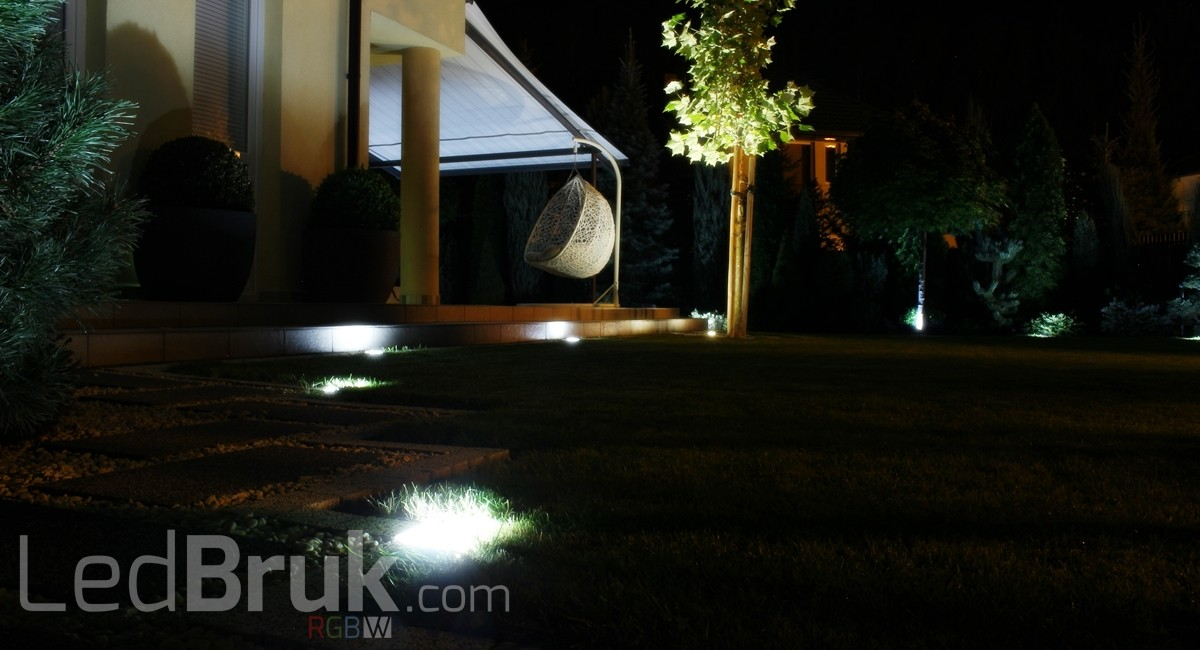 Świecąca Kostka Brukowa LED RGB+W www.ledbruk.com_IMG_3865_1200x